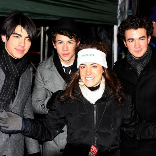 Susan with the Jonas Brothers at New Year's Eve festivities in New York City in 2007